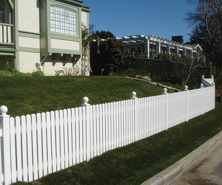 vinyl fencing suppliers in Denver